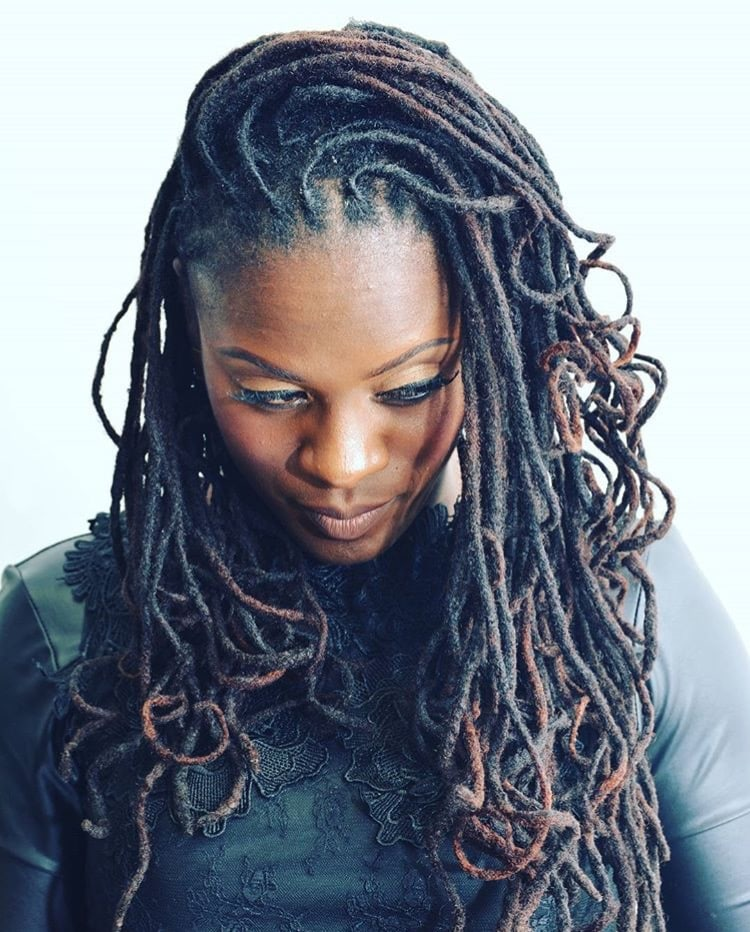 Faux Locs Vs. Loc Extensions : Which Is Right For You?
